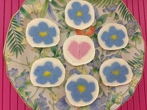 デコもちの青い花とハート