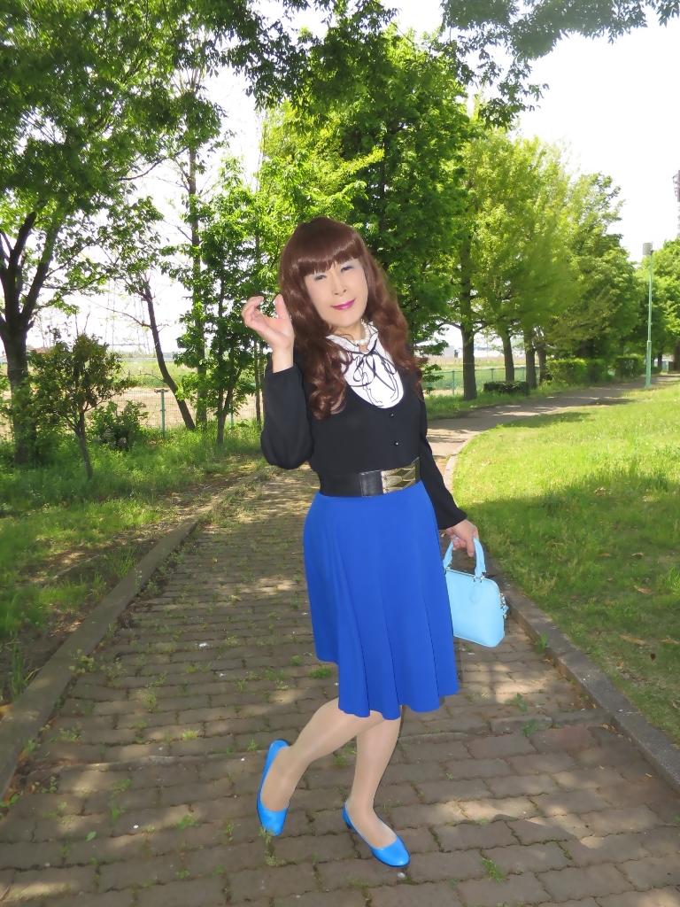 黒トップ青フレアA(2)