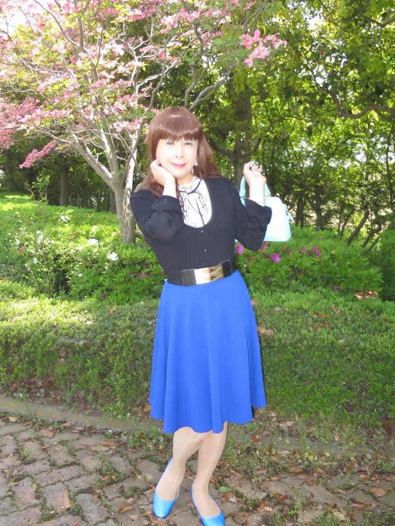 黒トップ青フレアA(8)