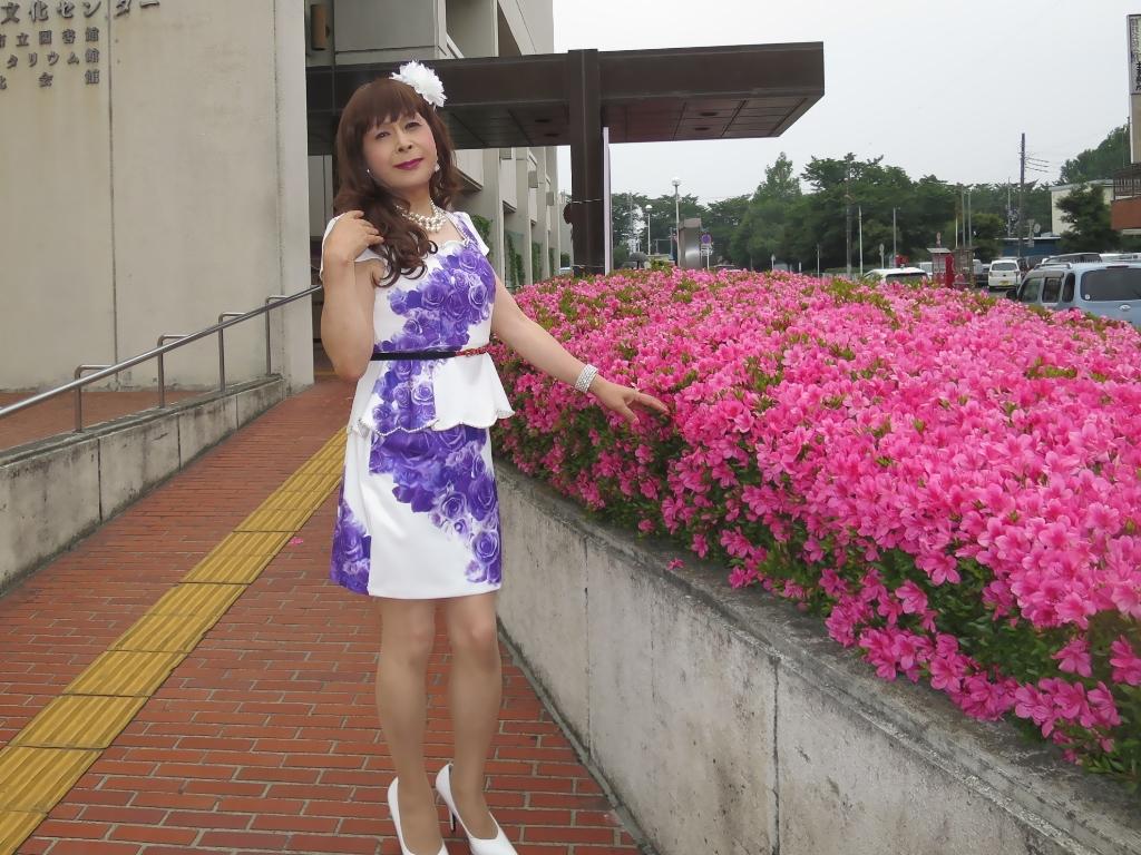 白地に紫花柄裾ペプラムスーツD(5)