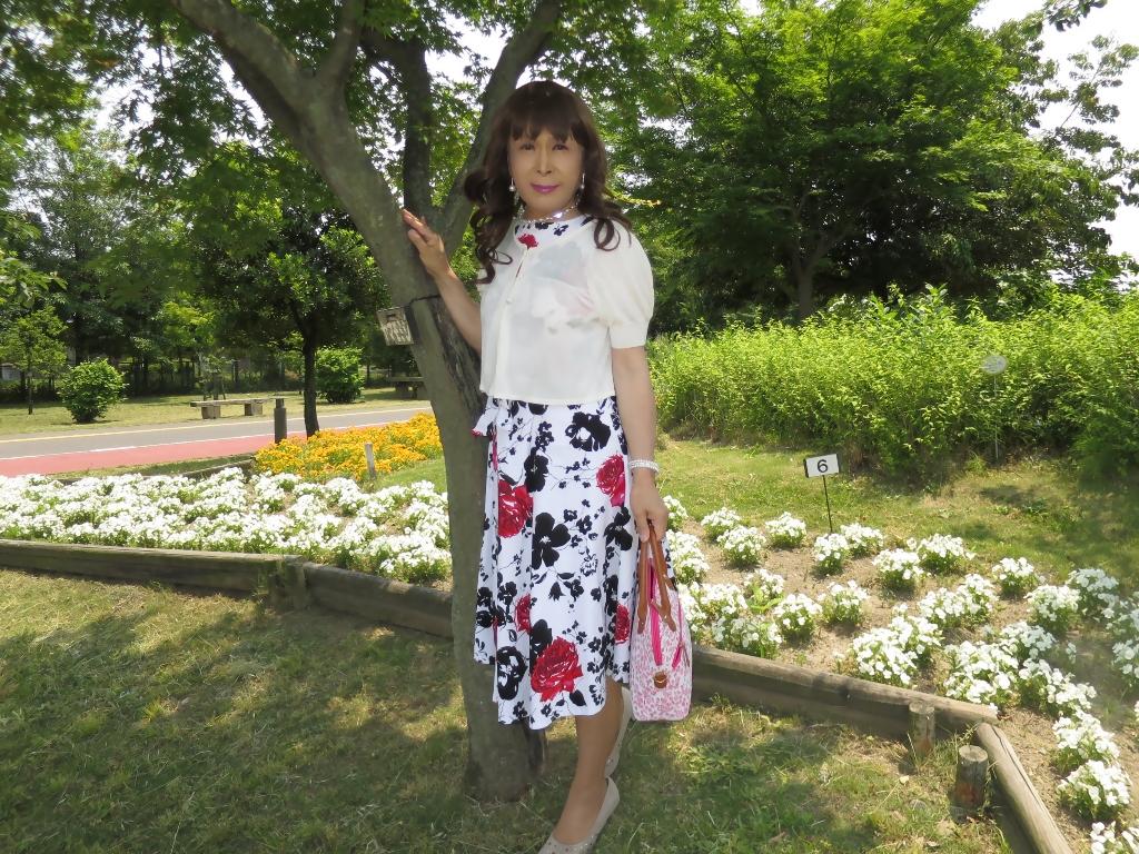白地に花柄のワンピA(1)