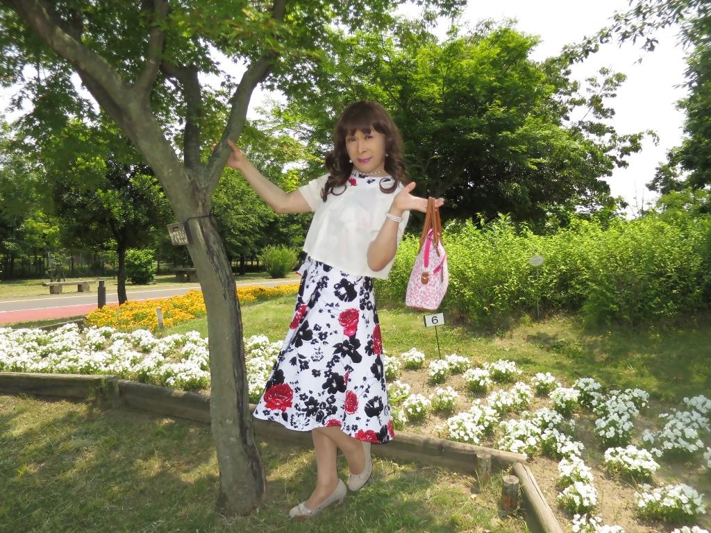 白地に花柄のワンピA(3)