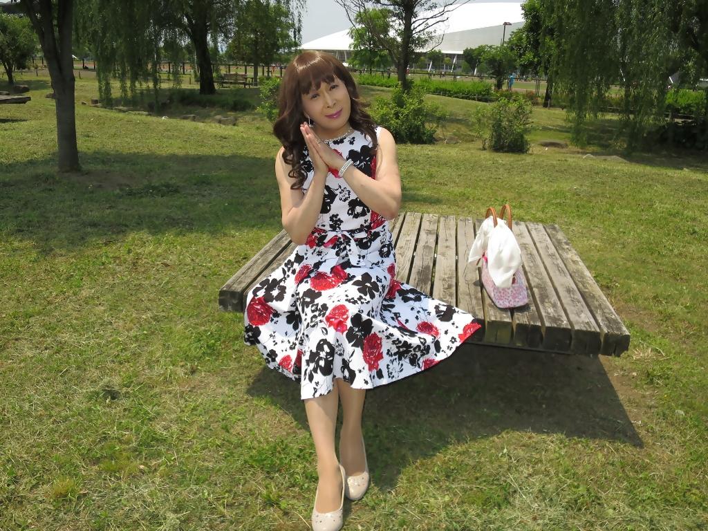 白地に花柄のワンピB(2)