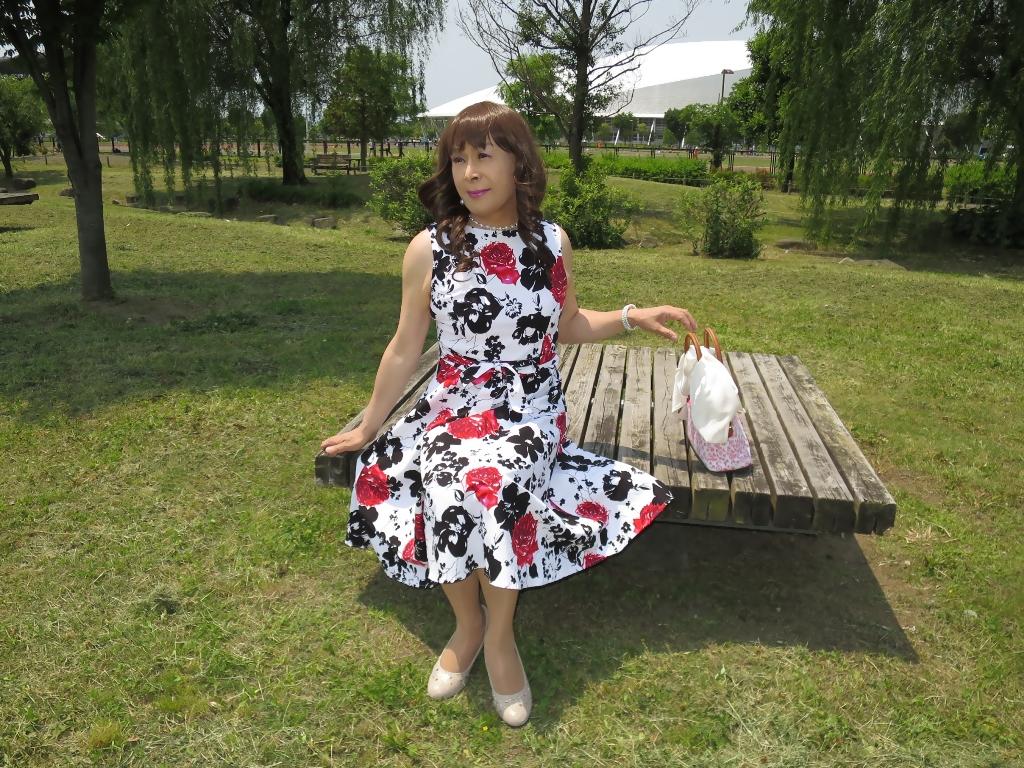 白地に花柄のワンピB(5)
