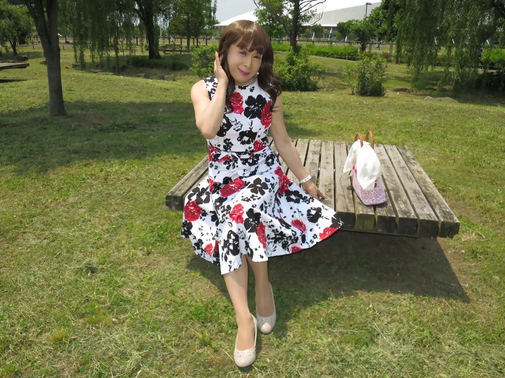 白地に花柄のワンピB(4)