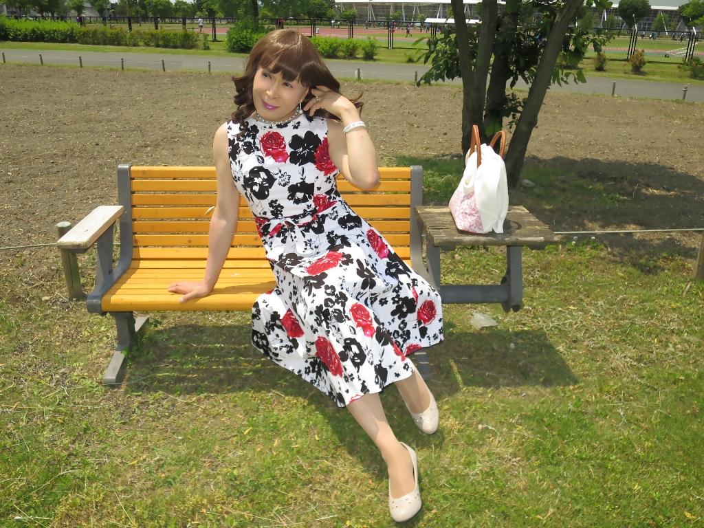 白地に花柄のワンピB(7)