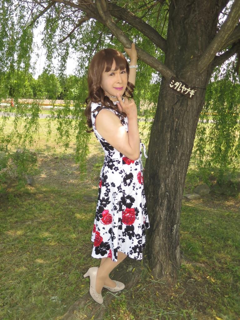 白地に花柄のワンピC(1)