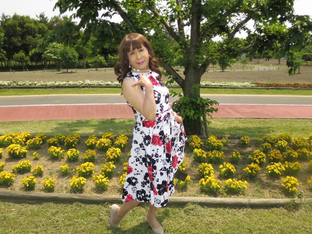 白地に花柄のワンピC(6)