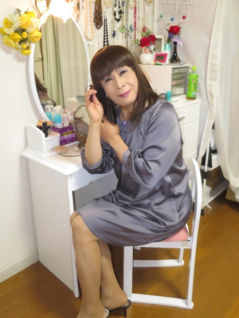 グレーチュニック化粧台前(7)