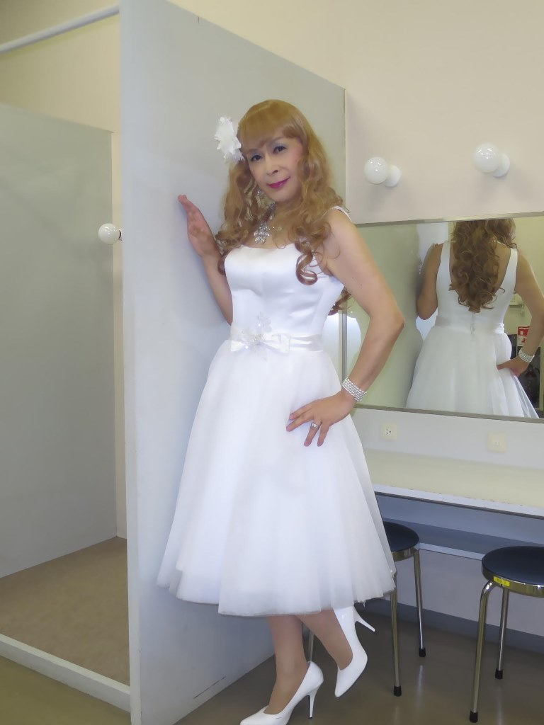 白ショートドレス歌謡祭(1)