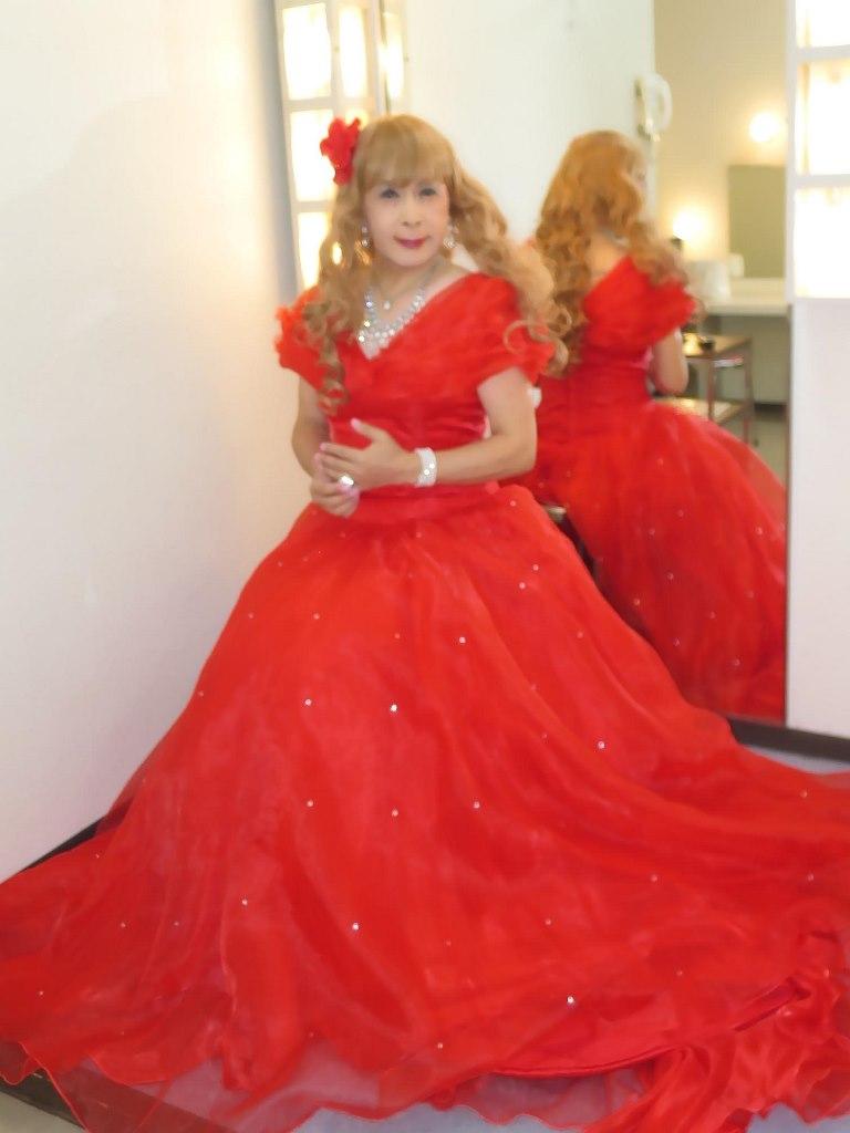 赤ロングドレス(5)
