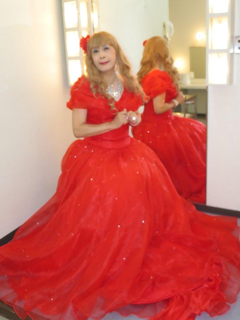 赤ロングドレス(6)
