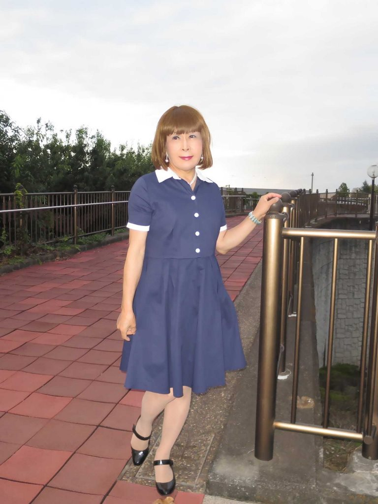 白襟紺色ワンピC(1)