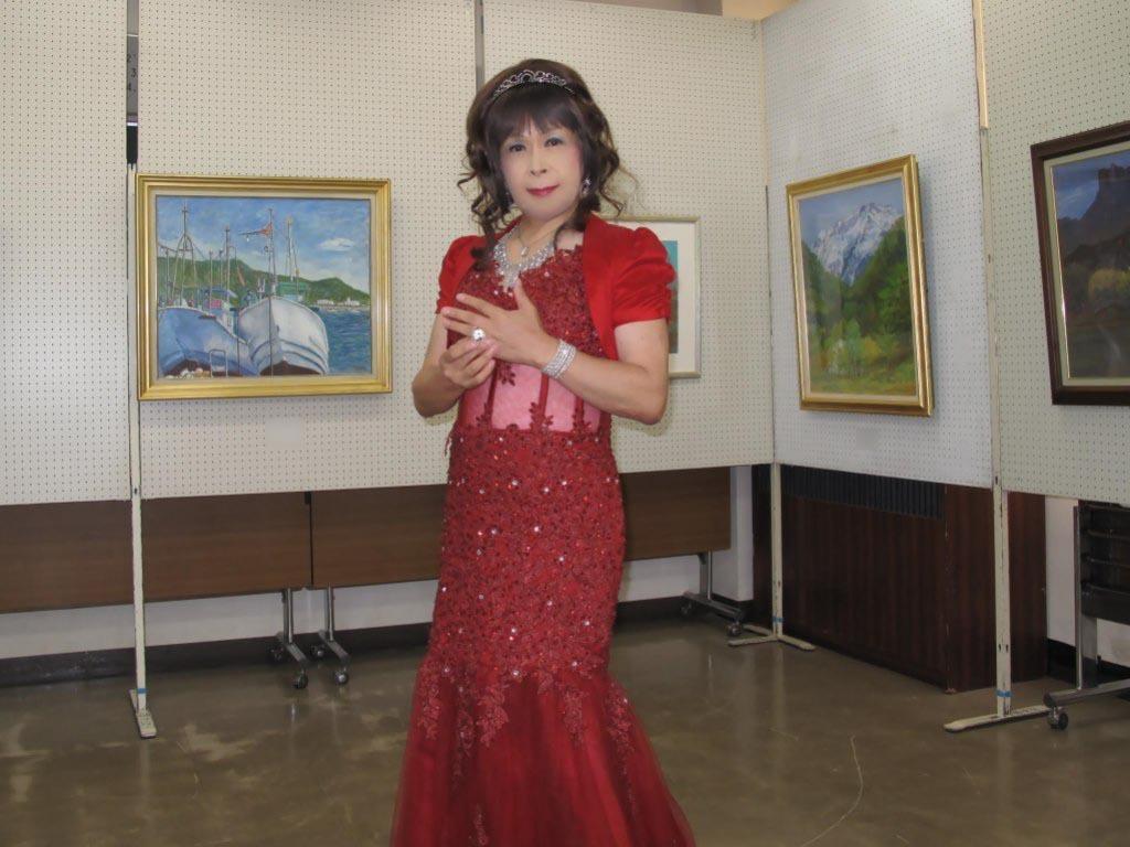 赤いドレス控室B(1)