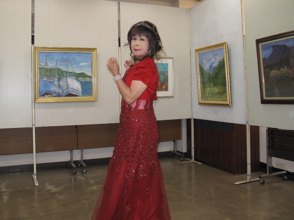 赤いドレス控室B(4)
