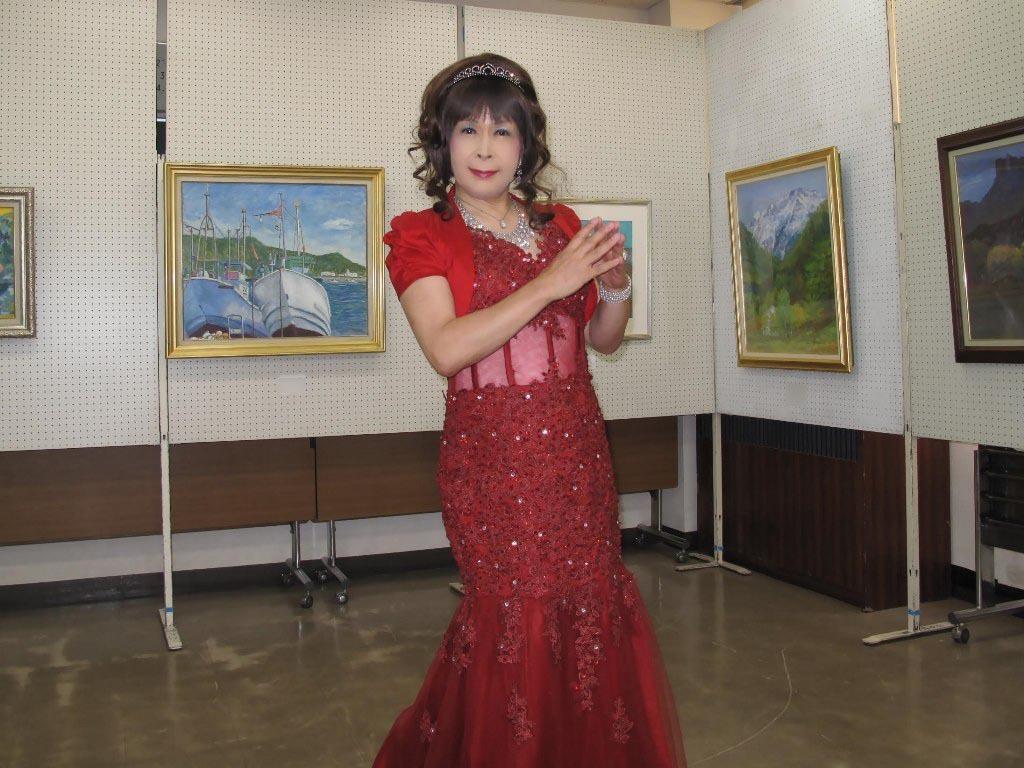 赤いドレス控室B(3)
