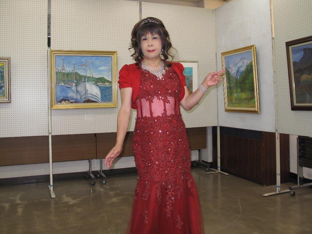 赤いドレス控室B(2)