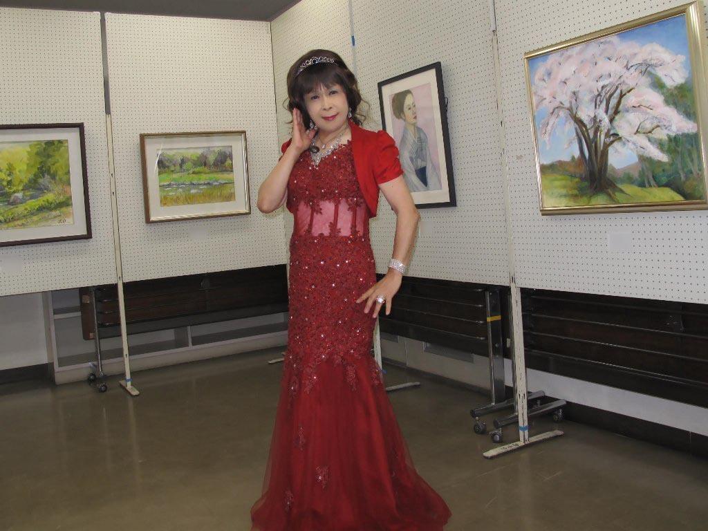 赤いドレス控室B(5)