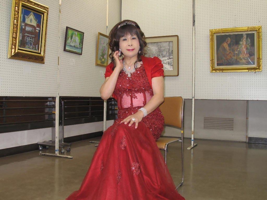 赤いドレス控室D(2)
