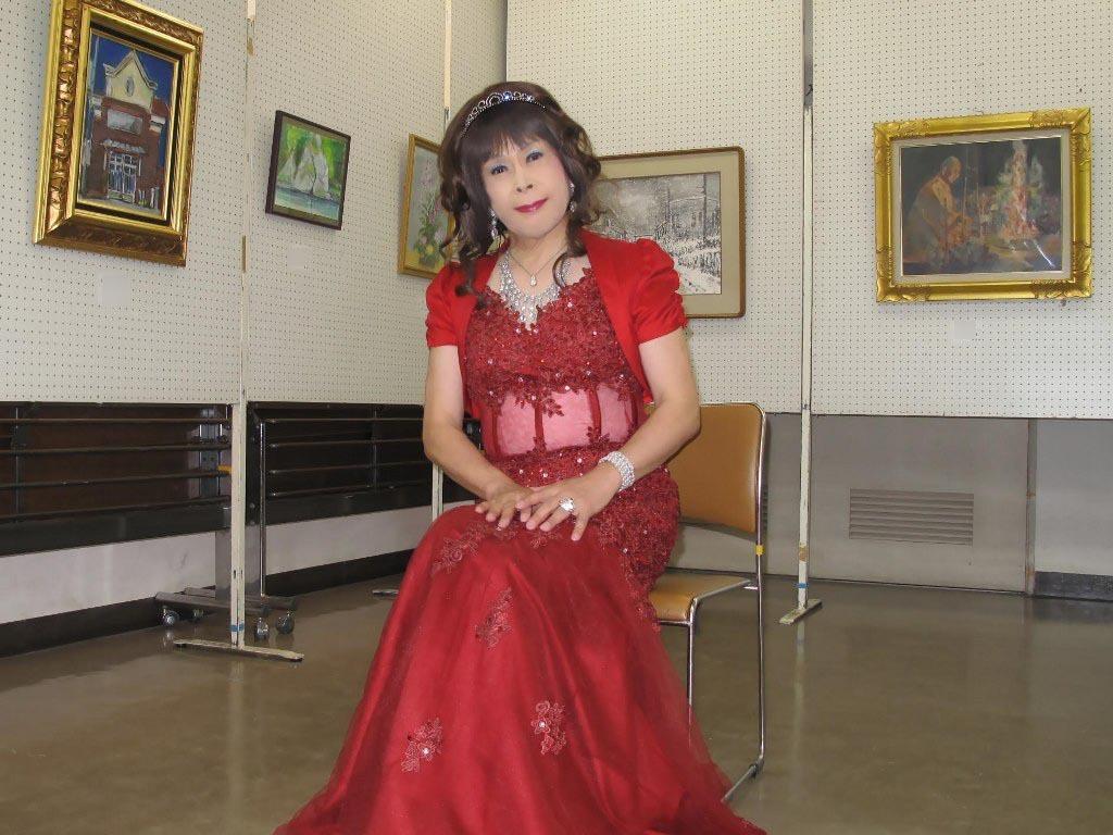 赤いドレス控室D(4)