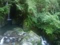 途中の神社 滝1
