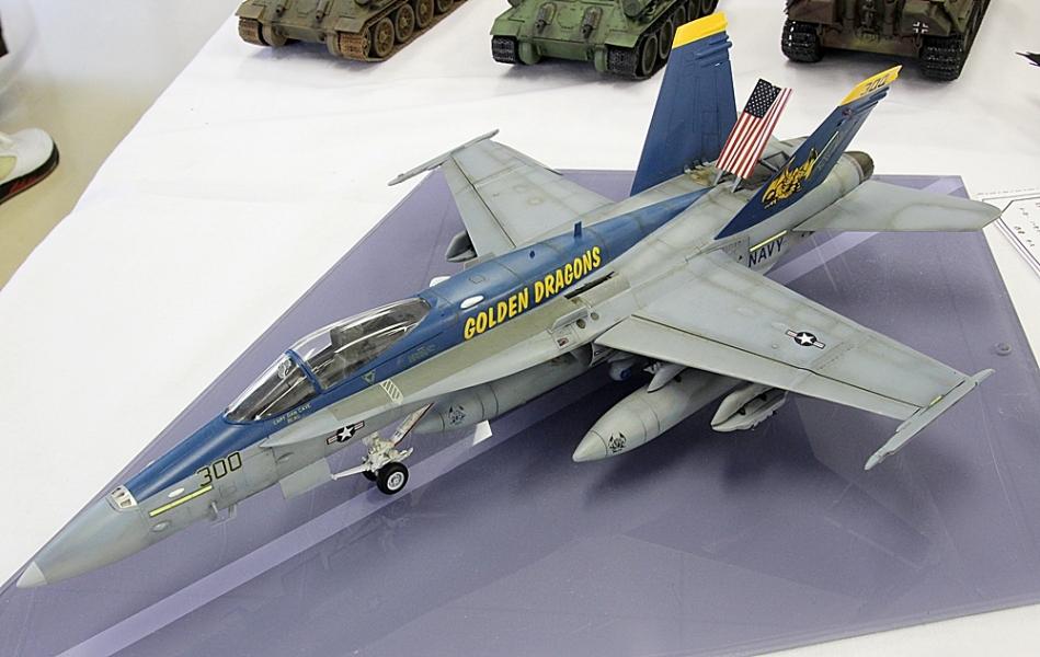 F18ホーネット ゴールデンドラゴンズ-1
