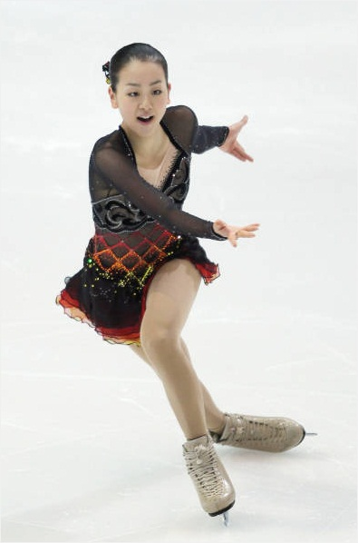 Tango-Schnittke-Mao-Asada-brown-dress-figure-skating20.jpg