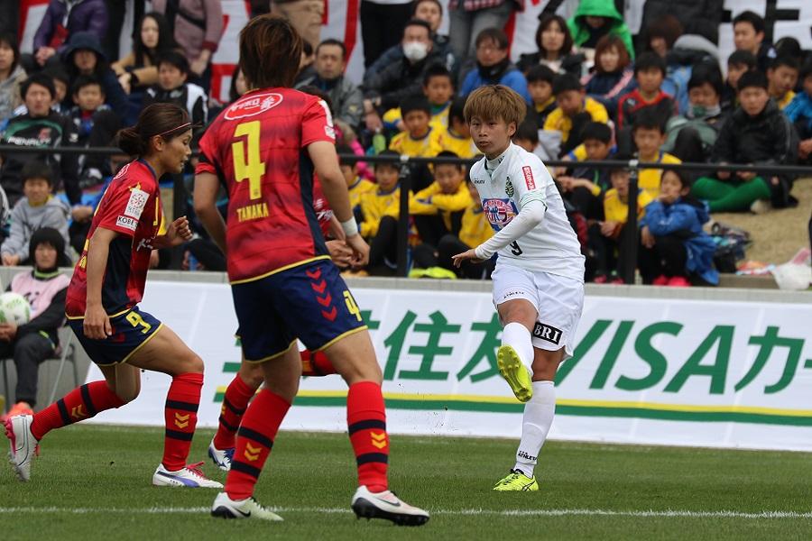 田中美南は、I神戸の最終ラインを翻弄し、先制点も奪った。