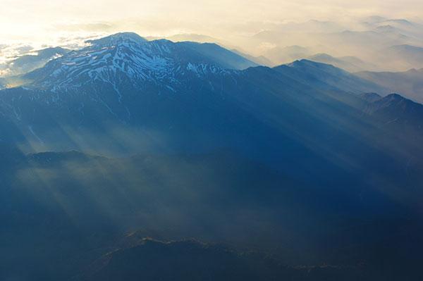 白山と光芒