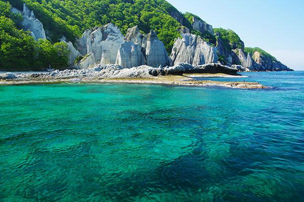 仏ケ浦の海と断崖