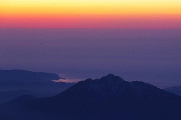 岩木山と日本海