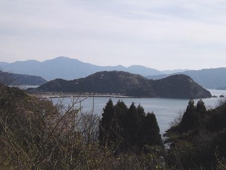 010岡崎山砦遠望(ウツトモ山から)