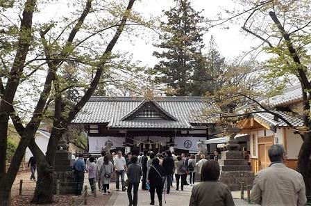 07真田神社拝殿2016年4月