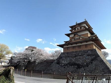 28高島城跡(北西隅から)2016年4月
