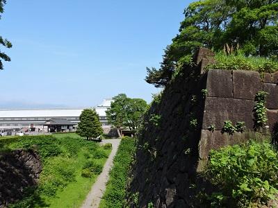 金沢城見学極楽橋から堀を望む(2016年5月21日) 014