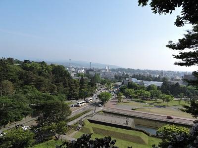金沢城見学本丸巽櫓から21世紀美術館を望む(2016年5月21日) 016 (1)