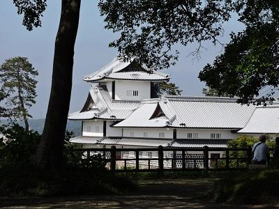 金沢城見学本丸巽櫓跡から21世紀美術館を望む(2016年5月21日) 016 (2)