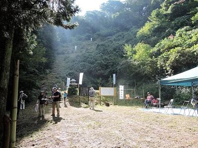 編集_⑧波多野城跡直下の休憩テント2016年10月2日