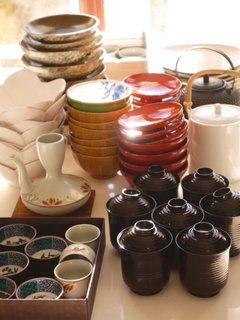 Plates/bowls/cups