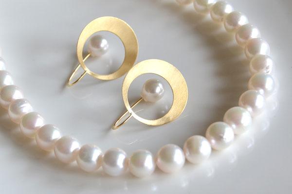K18YG製あこや真珠キャッチピアスあこや真珠ネックレス