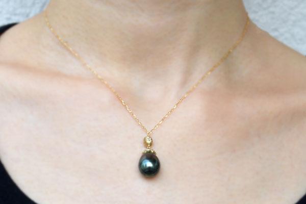 K18YG製イエローゴールド南洋黒真珠タヒチダイアモンドペンダント
