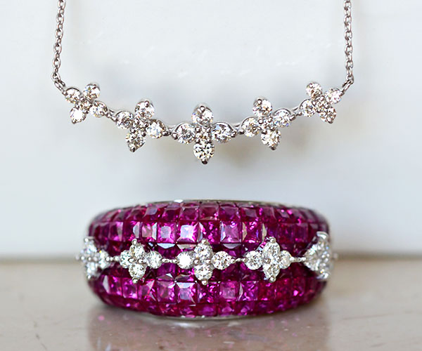K18WGルビーミステリーセッティングダイアモンドリング指輪ダイアモンドハーフムーンペンダントネックレス