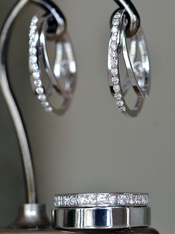 ダイアモンドフープピアスダイアモンドフルエタニティリングプラチナPt900製プラチナ平打ちマリッジリング
