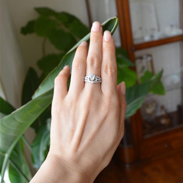 Pt900プラチナハートシェイプダイアモンドリング指輪
