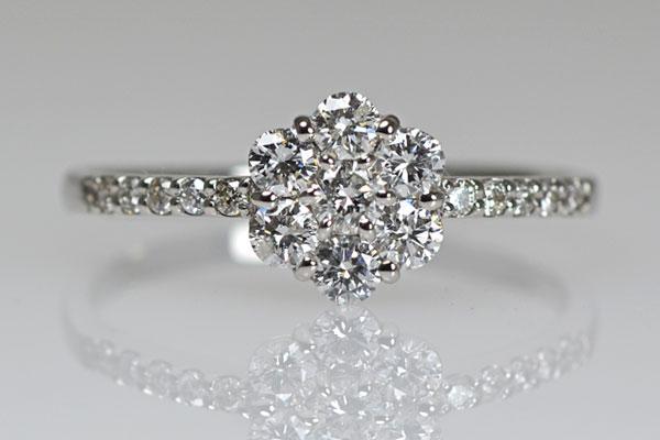 Pt900製プラチナダイアモンドリング指輪贈り物プレゼントフラワーモチーフ花