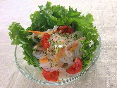 糸こんにゃく のタイ風サラダ