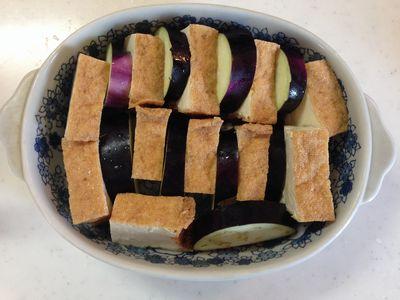 簡単おつまみ♪なすと厚揚げの味噌マヨチーズ焼き