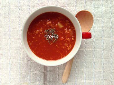 トマトシューズでジンジャートマトスープ