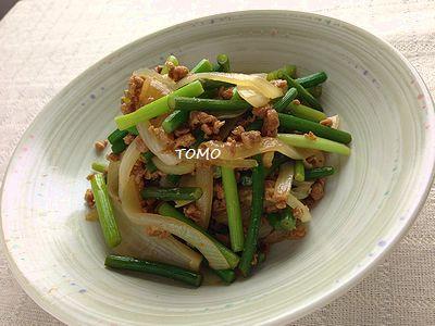 大豆のお肉フレーク出ニンニクの芽の炒め物
