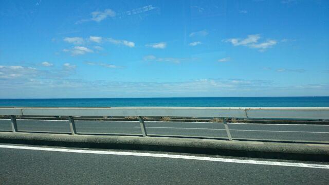 西湘バイパスから見た海